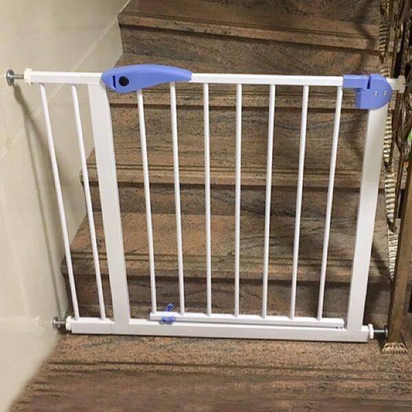Ajtó és lépcső biztonsági rács - gyerek és kutya